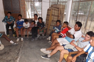 Vencedores kids in Bible study time